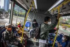 TransJakarta mulai layani penumpang dengan kapasitas normal